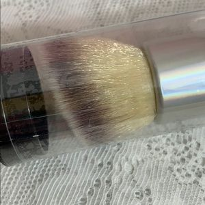 It Cosmetics makeup brush, still sealed